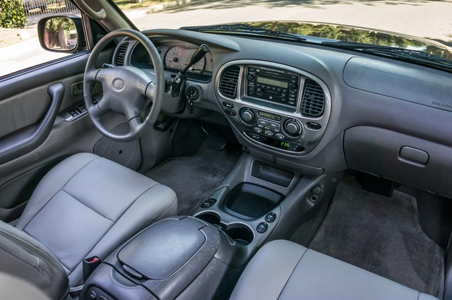 2002 Toyota Sequoia Limited - AUTO - SUNROOF - 3RD ROW - 1-OWNER Reseda, CA 29