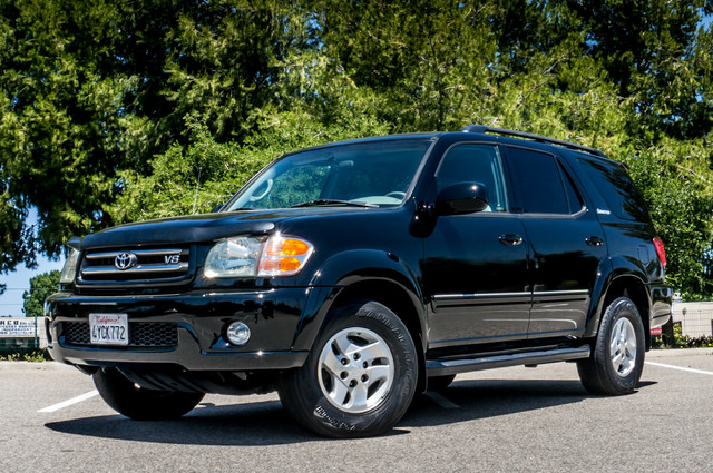 2002 Toyota Sequoia Limited - AUTO - SUNROOF - 3RD ROW - 1-OWNER Reseda, CA 2