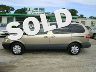 2002 Toyota Sienna in Fort Pierce, FL