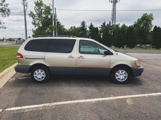 2002 Toyota Sienna CE Maple Grove, Minnesota 7