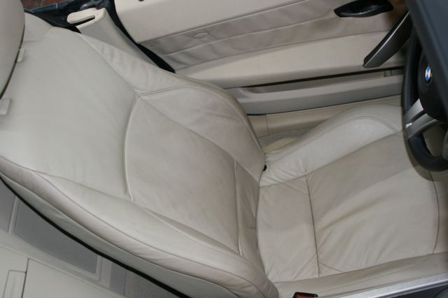 2003 BMW Z4 2.5i Houston, Texas 12