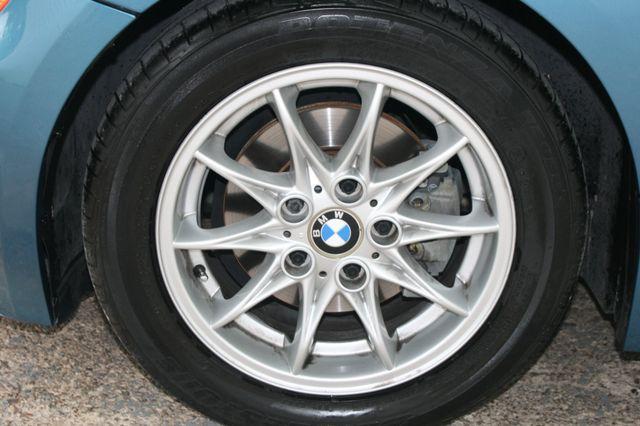 2003 BMW Z4 2.5i Houston, Texas 8