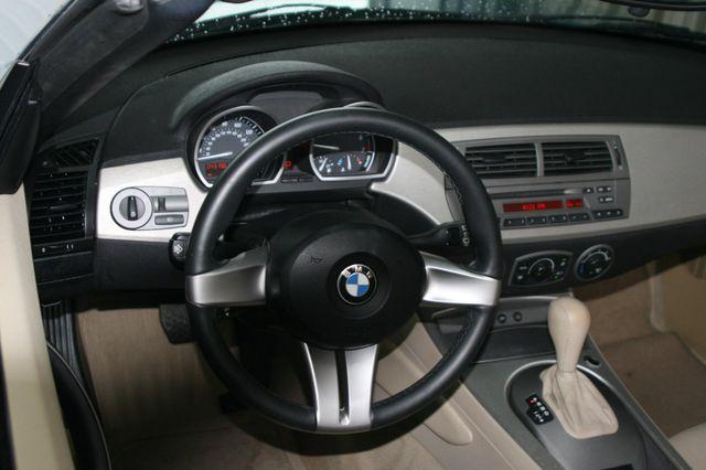 2003 BMW Z4 2.5i Houston, Texas 9