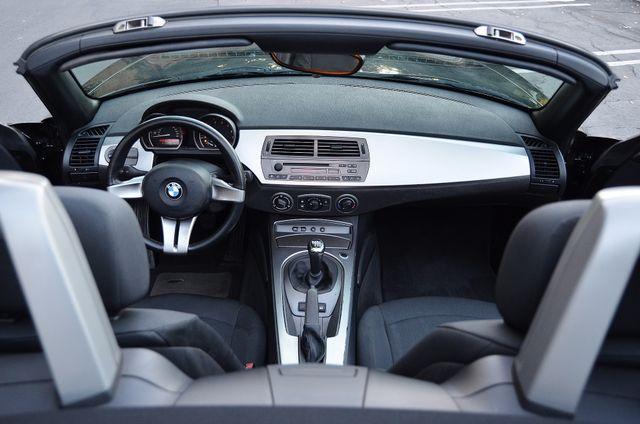 2003 BMW Z4 2.5i Reseda, CA 21