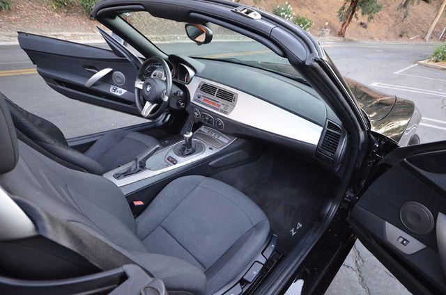 2003 BMW Z4 2.5i Reseda, CA 25