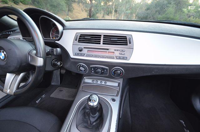 2003 BMW Z4 2.5i Reseda, CA 9
