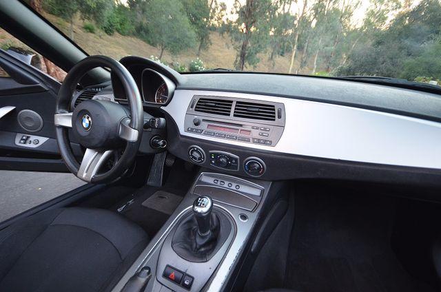 2003 BMW Z4 2.5i Reseda, CA 26