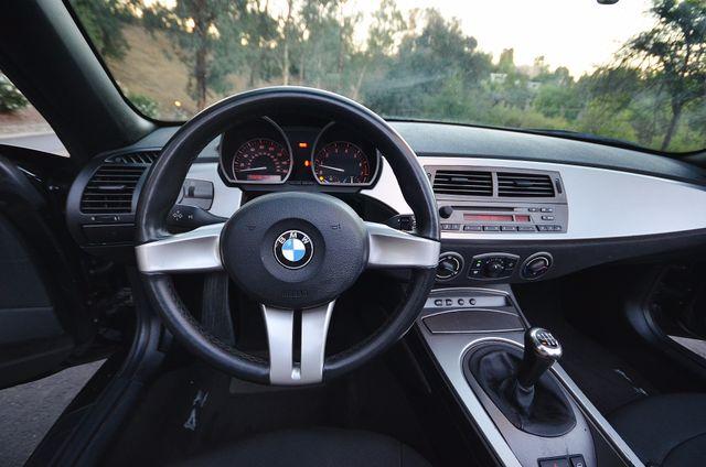 2003 BMW Z4 2.5i Reseda, CA 27