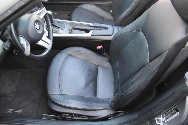 2003 BMW Z4 3.0i Santa Clarita, CA 13