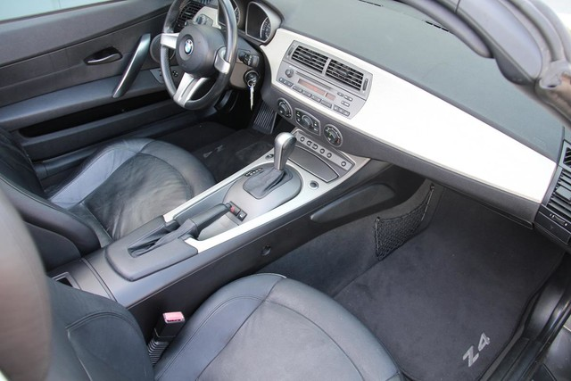 2003 BMW Z4 3.0i Santa Clarita, CA 8
