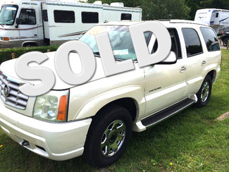 2003 Cadillac-Buy Here Pay Here!! Escalade-CARMARTSOUTH.COM CARFAX SAYS PRICE IS $9K! Knoxville, Tennessee