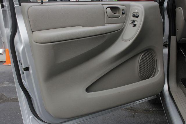 2003 Dodge Grand Caravan SPORT TOURING - BRUNO HANDICAP/DISABILITY VAN Mooresville , NC 44
