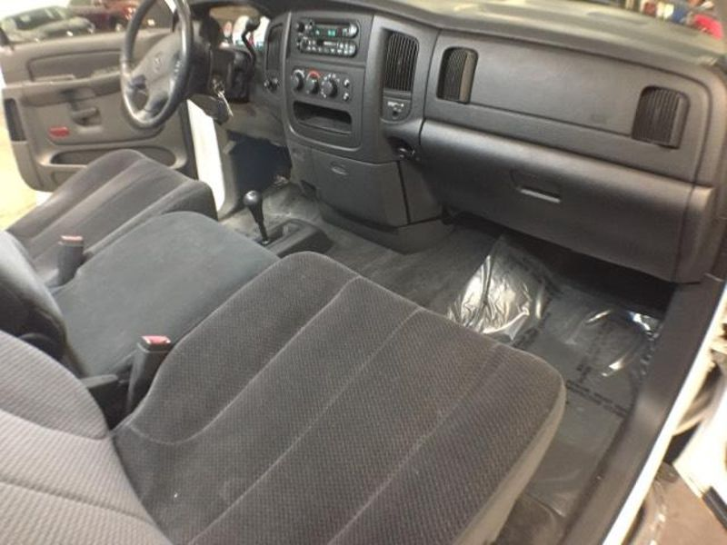 2003 Dodge Ram 1500 SLT  in Victoria, MN