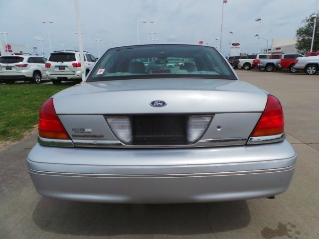 2003 Ford Crown Victoria LX Cape Girardeau, Missouri 3