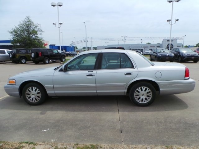 2003 Ford Crown Victoria LX Cape Girardeau, Missouri 5