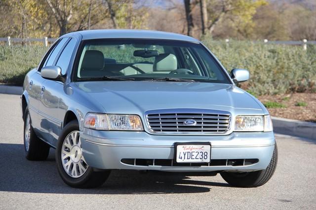 2003 Ford Crown Victoria LX Santa Clarita, CA 3