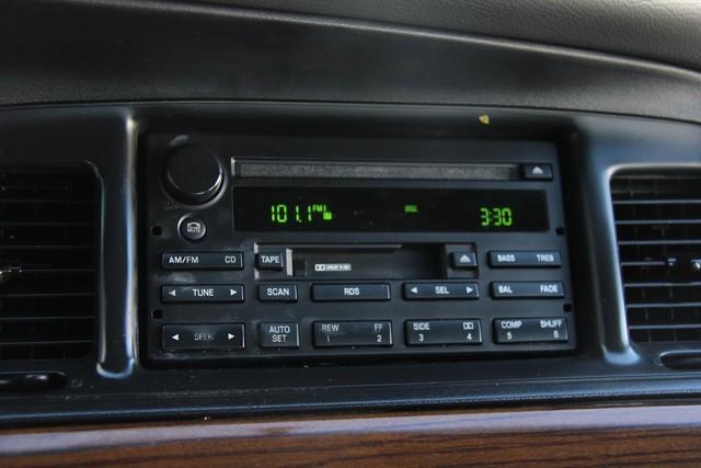 2003 Ford Crown Victoria LX Santa Clarita, CA 18