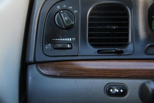 2003 Ford Crown Victoria LX Santa Clarita, CA 21