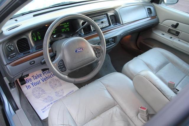2003 Ford Crown Victoria LX Santa Clarita, CA 8