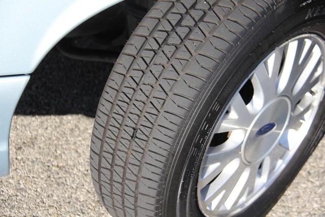 2003 Ford Crown Victoria LX Santa Clarita, CA 25