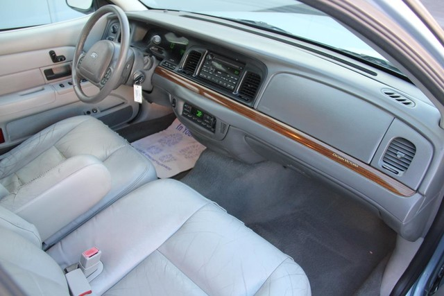 2003 Ford Crown Victoria LX Santa Clarita, CA 9