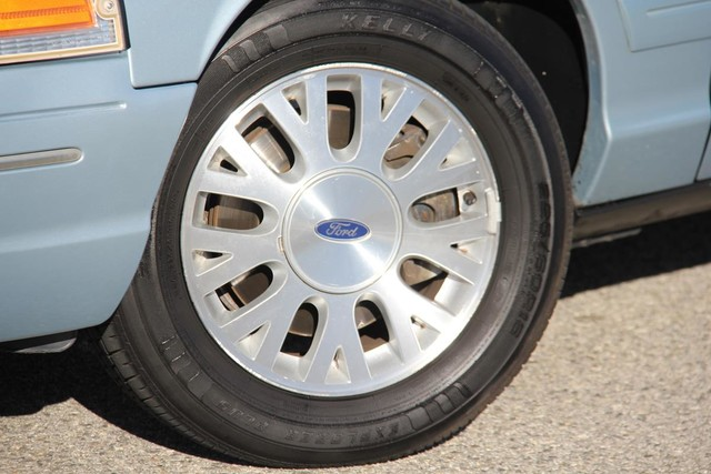 2003 Ford Crown Victoria LX Santa Clarita, CA 24