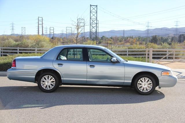 2003 Ford Crown Victoria LX Santa Clarita, CA 12