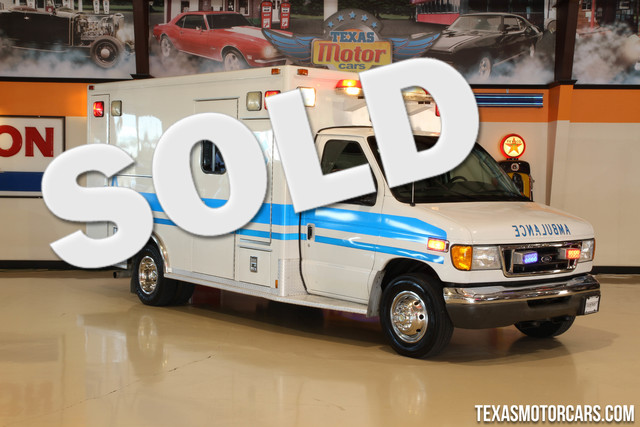 2003 Ford Econoline Ambulance This Carfax 1-Owner 2003 Ford Econoline Ambulance is in great shape