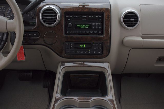 2003 Ford Expedition Eddie Bauer RWD - REAR DVD - LEATHER! Mooresville , NC 9