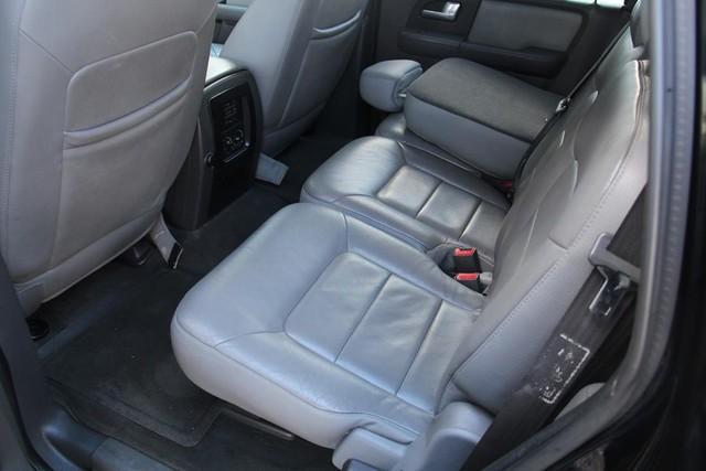2003 Ford Expedition XLT Premium Santa Clarita, CA 15