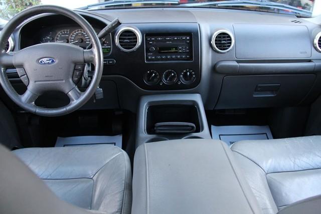 2003 Ford Expedition XLT Premium Santa Clarita, CA 9