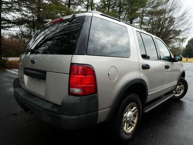 2003 Ford Explorer XLS Leesburg, Virginia 3