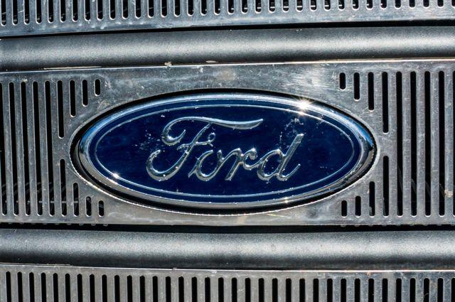 2003 Ford Super Duty F-350 DRW Lariat Reseda, CA 41