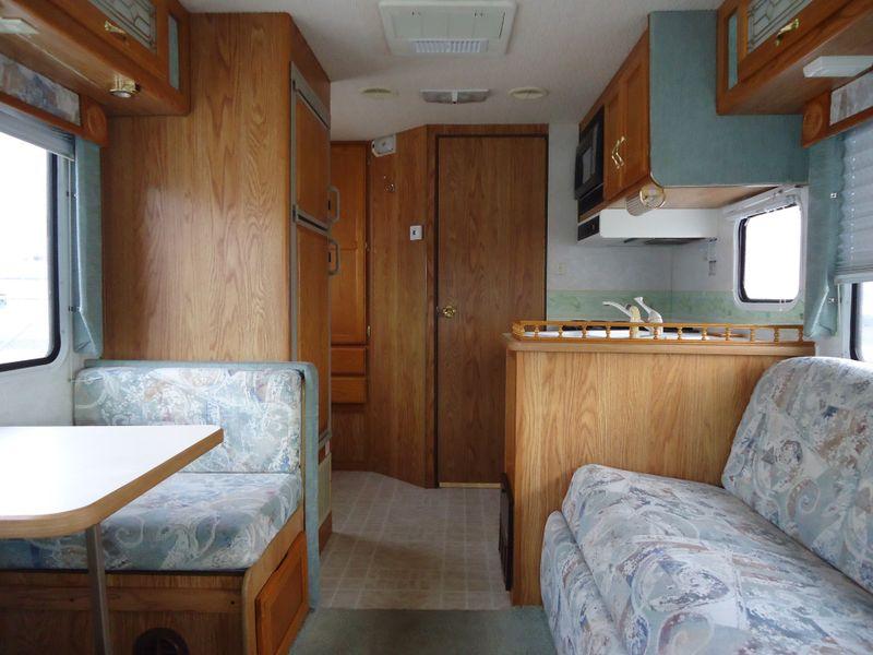 2003 Gulf Stream B Touring Cruiser 5210  in Sherwood, Ohio