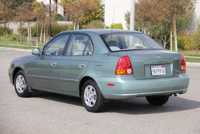 Used Hyundai Accent Review: 2000 2003 | CarsGuide