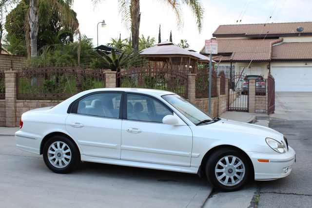 2003 Hyundai SONATA GLS SEDAN AUTOMATIC 1-OWNER SERVICE RECORDS AVAILABLE 2 SETS OF KEYS Woodland Hills, CA 33