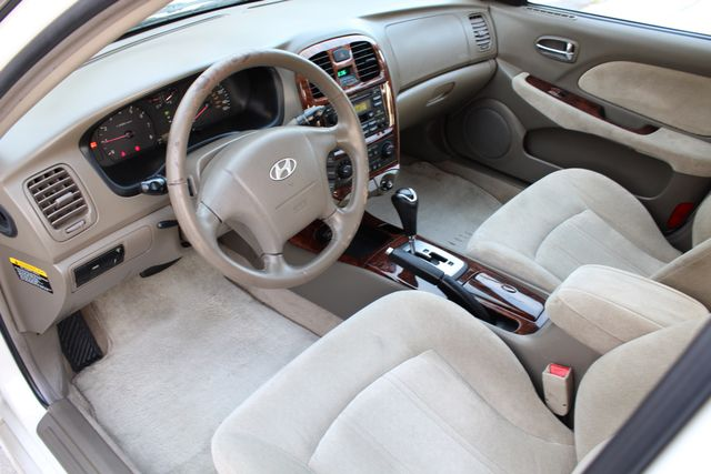 2003 Hyundai SONATA GLS SEDAN AUTOMATIC 1-OWNER SERVICE RECORDS AVAILABLE 2 SETS OF KEYS Woodland Hills, CA 16