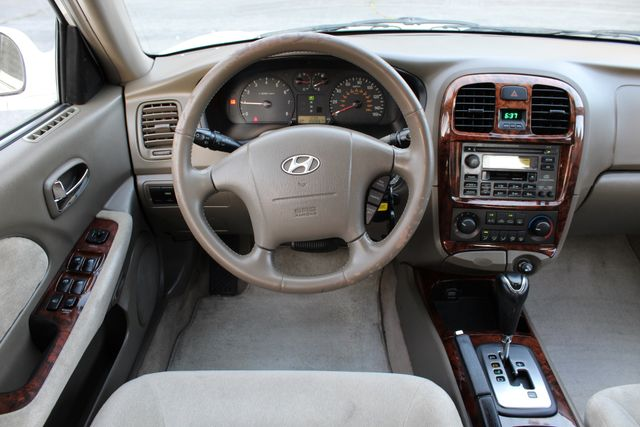 2003 Hyundai SONATA GLS SEDAN AUTOMATIC 1-OWNER SERVICE RECORDS AVAILABLE 2 SETS OF KEYS Woodland Hills, CA 25