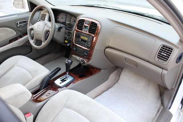 2003 Hyundai SONATA GLS SEDAN AUTOMATIC 1-OWNER SERVICE RECORDS AVAILABLE 2 SETS OF KEYS Woodland Hills, CA 26