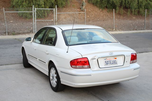 2003 Hyundai SONATA GLS SEDAN AUTOMATIC 1-OWNER SERVICE RECORDS AVAILABLE 2 SETS OF KEYS Woodland Hills, CA 4