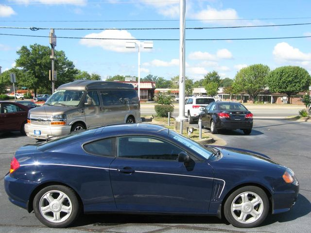 2003 Hyundai Tiburon COUPE Richmond, Virginia 4