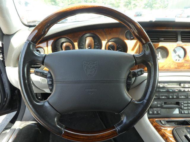 2003 Jaguar XK8 Leesburg, Virginia 17