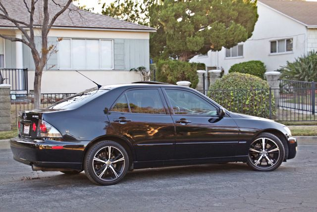 2003 Lexus IS 300 SPORT AUTOMATIC XENON MOONROOF BLUETOOTH 1-OWNER ALLOY WHLS NEW TIRES SERVICE REOCRDS! Woodland Hills, CA 10
