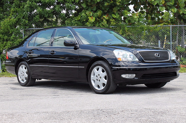 2003 Lexus LS 430  WARRANTY CARFAX CERTIFIED AUTOCHECK CERTIFIED 1 OWNER 22 SERVICE RECORDS