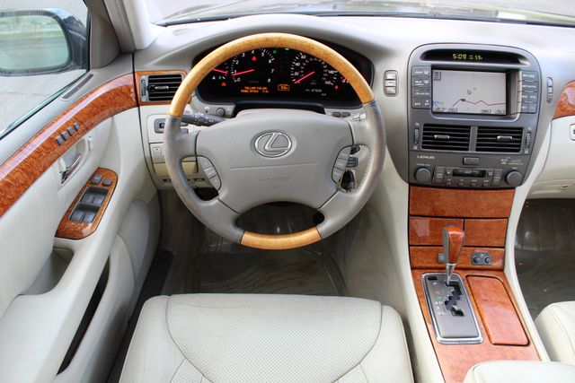 2003 Lexus LS 430 NAVIGATION SUNROOF LEATHER XENON PARKING SENSORS Woodland Hills, CA 23
