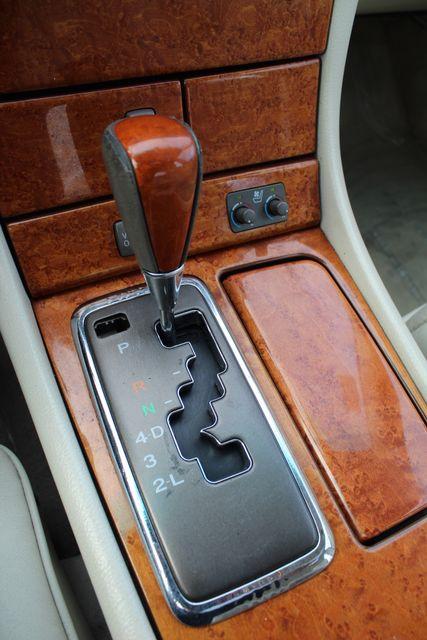 2003 Lexus LS 430 NAVIGATION SUNROOF LEATHER XENON PARKING SENSORS Woodland Hills, CA 18
