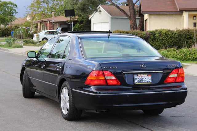 2003 Lexus LS 430 NAVIGATION SUNROOF LEATHER XENON PARKING SENSORS Woodland Hills, CA 3