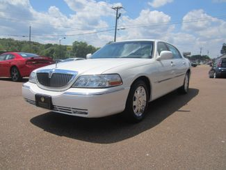 2003 Lincoln Town Car Cartier Batesville, Mississippi 1