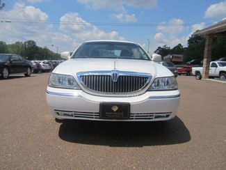 2003 Lincoln Town Car Cartier Batesville, Mississippi 4