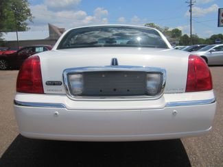 2003 Lincoln Town Car Cartier Batesville, Mississippi 11